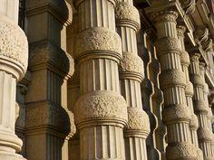Trieste,Riva 3 Novembre, Agosto 2012. Intreccio di colonne.