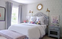 Bedroom with Quadrille Zig Zag Bench in Lavender and Schumacher Imperial Trellis Wallpaper (Photo by Joanne Posse-Stephanie Kraus Design) Blue Teen Girl Bedroom, Teen Girl Bedrooms, Big Girl Rooms, Lilac Bedroom, Preppy Bedroom, Parisian Bedroom, Aqua Wallpaper, Trellis Wallpaper, Home Bedroom