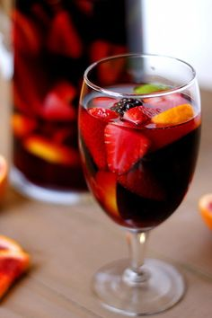 Blood Orange Blackberry Sangria by Fabtastic East.lots of sangria recipes! Refreshing Drinks, Fun Drinks, Yummy Drinks, Alcoholic Drinks, Party Drinks, Beverages, Sparkling Sangria, Pink Sangria, Cocktail