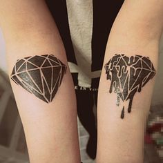 What does a Diamond Tattoo mean? Find the explanation with inspirational diamond tattoo designs, outline and images on red, black and triple diamonds. Dope Tattoos, Great Tattoos, Body Art Tattoos, Tattoos For Guys, Awesome Tattoos, Diamond Tattoo Meaning, Diamond Tattoo Designs, Design Tattoo, Tatto Designs