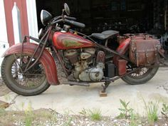 """Indian Chief 1936 first paint left side .Colors:""""Chinese red""""and """"Indian red"""" Quelle:vfv-motorrad-forum.de"""