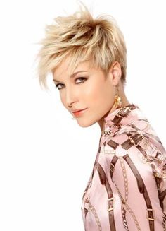 Short layered pixie cut have large range of short hairstyles.To highlight your eyes and neck these pixie haircuts are best for women.These all are very funky and stylish pixie haircut.In this article i have list out 10 short layered pixie haircut for you Edgy Pixie Hairstyles, Popular Short Hairstyles, Hairstyles Haircuts, 2018 Haircuts, Latest Hairstyles, Razor Cut Hairstyles, Female Hairstyles, Hairstyle Short, Short Razor Haircuts