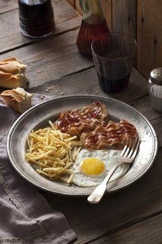 (vía Cook me tender: Mi huevo frito especial y el huevo frito de Doña Simone Ortega)