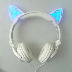 LED Katzen Ohr Kopfhörer The Effective Pictures We Offer You About Cat Accessories costume A quality Cat Headphones, Wireless Headphones, Audiophile Headphones, Cat Ear Headset, Gaming Headset, Things To Buy, Stuff To Buy, Organizer, Phone Accessories