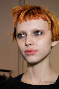 Liz Bumgarner hair & makeup artist - Beauty at Rochas Autumn (Fall) / Winter 2016 Bleached Eyebrows, Goth Eyebrows, Very Short Hair, Short Hair Cuts, Hair And Makeup Artist, Hair Makeup, Buzzed Hair Women, Dead Hair, Poses