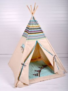 Rose Nursery, Nursery Room, Nursery Decor, Diy Tipi, Teepee Kids, Teepee Tent, Teepees, Native American Nursery, Pow Wow Party