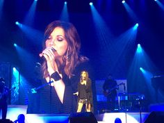 Martina McBride Brings Girl Power and Powerhouse Vocals to Ryman Auditorium for Love Unleashed Tour