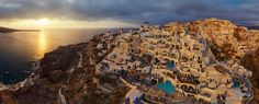 Santorini on Oia in Greece: The island has long been a favourite holiday destination thanks to its natural beauty and iconic buildings Aerial Photography, Creative Photography, Greece Photography, Lago Baikal, Santorini Sunset, World Pictures, Birds Eye View, Our World, Aerial View