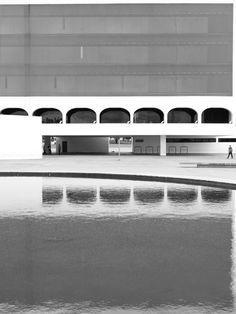 Exposição: ONDEANDAAONDA – Cartografia das Artes Plásticas no Distrito Federal