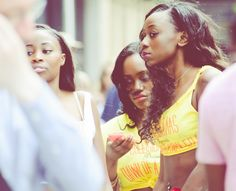 Huddersfield Carnival 2015 - Watching | by nickcoburn62