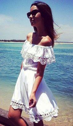 off the shoulder white spanish dress Summer Outfits, Cute Outfits, Summer Dresses, Summer Clothes, Spanish Dress, Spanish Style, Look Fashion, Womens Fashion, Dress Fashion
