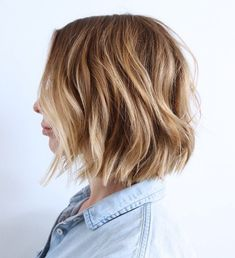 60 Messy Bob Hairstyles for Your Trendy Casual Looks Messy Bob Hairstyles, Trending Hairstyles, Short Hairstyles For Women, Bob Haircuts, Hairdos, Hair Inspo, Hair Inspiration, Blonde Pixie Cuts, Messy Blonde Bob