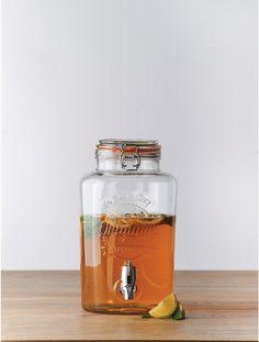 Glass dispenser, embossed Kilner logo, clip top fastening and plastic faucet. Kilner Drinks Dispenser, Glass Beverage Dispenser, Water Dispenser, Top Drinks, Cocktail Drinks, Beverages, Kilner Jars, Jar Design, Ceramic Knobs