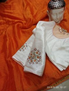Chiffon sarees with designer blouse collections. These are chiffon saree with stitched designer blouse with price are below. Buy at siri designers online Simple Blouse Designs, Stylish Blouse Design, Fancy Blouse Designs, Blouse Neck Designs, Blouse Patterns, Designer Blouses Online, Chiffon Saree, Work Blouse, Blouse Online