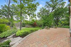25 Illinois, Sidewalk, Community, Side Walkway, Walkway, Walkways, Pavement