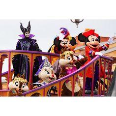 【hmjmym】さんのInstagramをピンしています。 《. . ミニーたんの目線こっち🎀💓💓 . #ザヴィランズワールド #ヴィランズ #海 #東京ディズニーシー #ミッキー #ディズニー #シー #ディズニーシー  #Disney #disneysea #disneypic  #TDL #tokyodisneysea #tokyodisneyresort #maleficent #mickey #MickeyMouse #ヴィラワ #ミニー #minnie #minniemouse #chip #dale #Claris #チップ #デール #クラリス #ミニーマウス  #ファインダー越しの私の世界》