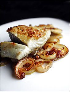 Seared Pollock Fillet With Caramelized Onions Recipe Details | Recipe database | washingtonpost.com