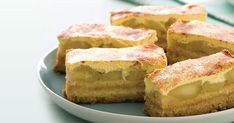 Use a clever shortcut to create these baked golden slices filled with warm apple, sour cream and cinnamon. Apple Recipes, Sweet Recipes, Baking Recipes, Dessert Recipes, Apple Desserts, Baking Pies, Tea Recipes, Fruit Recipes, Seafood Recipes