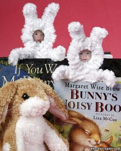 Bunny Bookmark  Who's that peeking out of your favorite book? It's your honey bunny! Use a photo of a friend or family member to create this bookmark made of paper and pipe cleaners  How to Make the Bunny Bookmark
