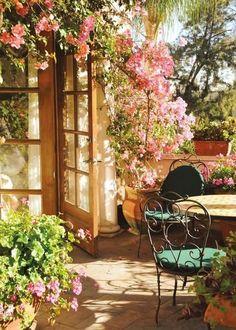 The Happiness of Having Yard Patios – Outdoor Patio Decor Garden Cottage, Home And Garden, Garden Homes, Romantic Backyard, Pergola Patio, Backyard Patio, Cheap Pergola, Backyard Shade, Diy Patio