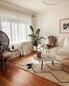 101 Impressive Spring Living Room Decor Ideas To Refresh Your Mind - Spring is the time to renew, refresh & revive your living room. After the long winter days give a nod to spring with these quick & simple idea. Boho Living Room Decor, New Living Room, My New Room, Home And Living, Living Room Designs, Bedroom Decor, Living Room Neutral, Living Room Plants Decor, Modern Living
