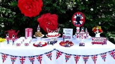 Royal Wedding Theme Party Ideas Casual - royal wedding: how to throw the perfect viewing party Royal Wedding Themes, Gold Wedding Theme, Home Wedding, Theme Ideas, Party Themes, Party Ideas, Party Shop, Cake Plates, Special Events