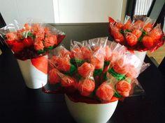 Ramos de rosas de chuches. Paso a paso en el post de hoy - Blog de dommuss