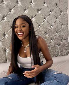 Baddie Hairstyles, Black Girls Hairstyles, Straight Hairstyles, Pretty Black Girls, Beautiful Black Girl, Dark Skin Beauty, Hair Beauty, Selfie Foto, Brunette Makeup