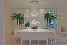 Comedores de estilo moderno por Designer de Interiores e Paisagista Iara Kílaris Casa Clean, Dinner Room, White Rooms, Deco Design, Elegant Homes, Ceiling Design, Home Decor Inspiration, Inspiration Design, Architecture Details