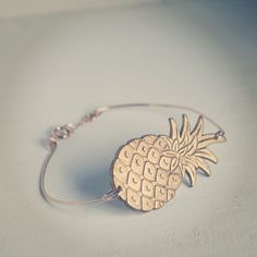 Le jonc pineapple via latetedesophie. Click on the image to see more!