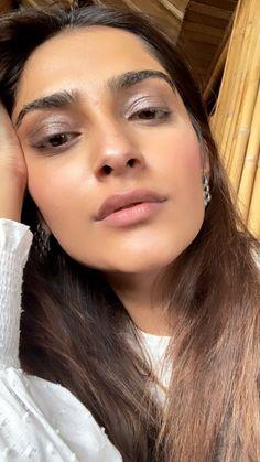 Bollywood Actress Bikini Photos, Bollywood Actress Hot, Bollywood Celebrities, Bollywood Photos, Beauty Full Girl, Beauty Women, Pretty Nose, Simple Face, Beautiful Girl Indian