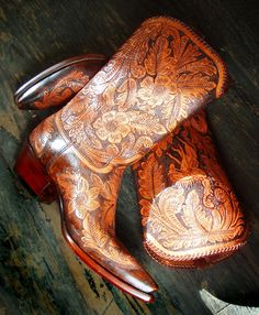 Rocketbuster tooled leather boots #cowboyboots #cowgirlboots #country For more Cute n' Country visit:  https://www.facebook.com/pages/Cowboy-Boots-on-Discount/873861019291259
