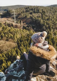 5 Ziele für Tagesausflüge in die Eifel | HELLO WANDER Die Eifel, Hiking Boots, Camper, Nature, Travel, Wonderful Places, Hiking Trails, Caravan, Naturaleza