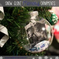A fun and beautiful way to capture the memories of Christmas from Messes to Memories