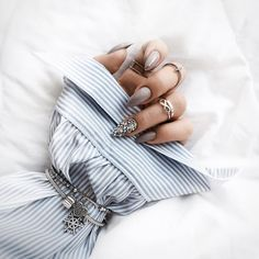 "1,835 Likes, 31 Comments - Moniʞa  (@brunettefashionn_) on Instagram: "" #new #mani #nailart #nails #naturalnails #INDIGO #indigonails #details #bracelet #pandora…"""