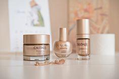 This post is also available in: English (Αγγλικα)Καθότι είμαι φαν των φυτικών καλλυντικών Caudalie, ενθουσιάστηκα όταν μου έδωσαν την ευκαιρία να δοκιμάσω τρία νέα εκπληκτικά προϊόντα από την υψηλής ποιότητας αντιγηραντική σειρά Premier Cru. Μιλάμε για την απόλυτη αντιρυτιδική φροντίδα! Η Caudalie Premier Cru είναι μια εντυπωσιακή και καινοτόμος σειρά καλλυντικών, ιδανική για τις ανάγκες της επιδερμίδας μετά τα 40. Η σειρά αποτελείται από πέντε προϊόντα: The Serum The Cream, για όλους τους…