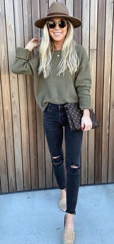 Fashion Outfits Women Casual Winter Sweaters Ideas For 2019 Trendy Fall Outfits, Casual Outfits, Fashion Outfits, Womens Fashion, Cold Summer Outfits, Gray Outfits, Club Outfits, Grunge Outfits, Crop Top Outfits