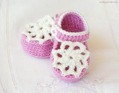 Ice Cream Swirl Baby Booties - Crochet Pattern + Giveaway