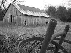 old barn in rural Missouri....<3 black & white