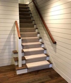 White Shiplap staircase with Esplanade flooring White Wood Wall Panels, Wood Panel Walls, White Wood Walls, Shiplap Paneling, Beadboard Wainscoting, Paneling Ideas, Split Level, Siding Options, Staircase Remodel