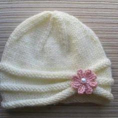 Knitting Pattern Girls Hat with Rolled Brim and a Flower in sizes months and years - Stirnband stricken Baby Hats Knitting, Baby Knitting Patterns, Free Knitting, Crochet Patterns, Knitted Baby Hats, Baby Hat Patterns, Knitting Sweaters, Doll Patterns, Knitting Yarn
