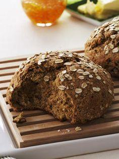 Take 30 Minutes: Irish Brown Bread- - World Cuisine Irish Brown Bread, Irish Bread, Brown Bread Recipe, Rusk Bread Recipe, Sour Recipe, Muffins, Irish Recipes, Irish Meals, Scottish Recipes
