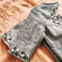 No photo description available. Blouse Designs Catalogue, Best Blouse Designs, Bridal Blouse Designs, Blouse Neck Designs, Kerala Saree Blouse Designs, Sari Blouse, Designer Blouse Patterns, Dress Patterns, Stylish Blouse Design