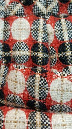 Textil: Weben, Kreise, grau-rot, STH, #graurot #Kreise #STH #Textil #Weben