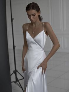 Silky, light, comfortamble and sexy. This dress is a robe-like form is created for romantic bride that also wants to look chic, minimalistic and stylish. This dress goes along with lots of accessories and outwear. Silky Wedding Dress, Minimal Wedding Dress, Chic Wedding Dresses, Minimalist Wedding Dresses, Wedding Dresses With Straps, Classic Wedding Dress, Designer Wedding Dresses, Wedding Gowns, Boho Wedding