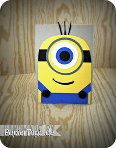 PapierTapir: Minion card Punch Art Cards, Pop Up Cards, Abc Cards, Kids Cards, Homemade Greeting Cards, Homemade Cards, Minion Card, 3 Minions, Birthday Cards For Boys