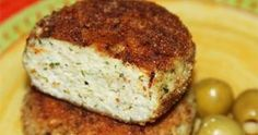 Spicy fish cakes with cheese Ingredients: - 1 kg of fish fillets (I had a pound and a pound of sirloin Sula mullet) - 300 grams of cheese - 2 egg Vegetarian Recepies, Veggie Recipes, Cooking Recipes, Healthy Snacks, Healthy Recipes, How To Cook Fish, Vegan Burgers, Hungarian Recipes, Low Calorie Recipes