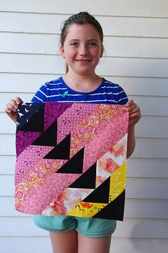 Into the Sunset Flying Geese Quilt Blocks Quilt Blocks Easy, Easy Quilts, Small Quilts, Scrappy Quilts, Quilt Patterns Free, Pattern Blocks, Flying Geese Quilt, Quilting For Beginners, Square Quilt