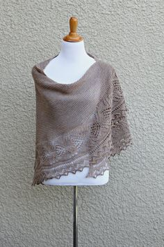 Elegant body knitted in garter stitch and lace border create nice tandem. There are many ways to wear this shawl - as a classic shawl, as a scarf, as a. Shawl Patterns, Knitting Patterns, Sweater Patterns, Lace Knitting, Knitting Projects, Crochet Projects, Knit Wrap Pattern, Red Shawl, Lace Border