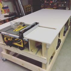 Table Saw Bench Design.Home Made Table Saw. Andre Roubo Workbench Old Timey Woodworking With . Outfeed Table For Ridgid Or Woodworking . Home Design Ideas Table Saw Workbench, Workbench Plans Diy, Workbench Designs, Mobile Workbench, Woodworking Bench Plans, Woodworking Workshop, Woodworking Projects, Japanese Woodworking, Fine Woodworking